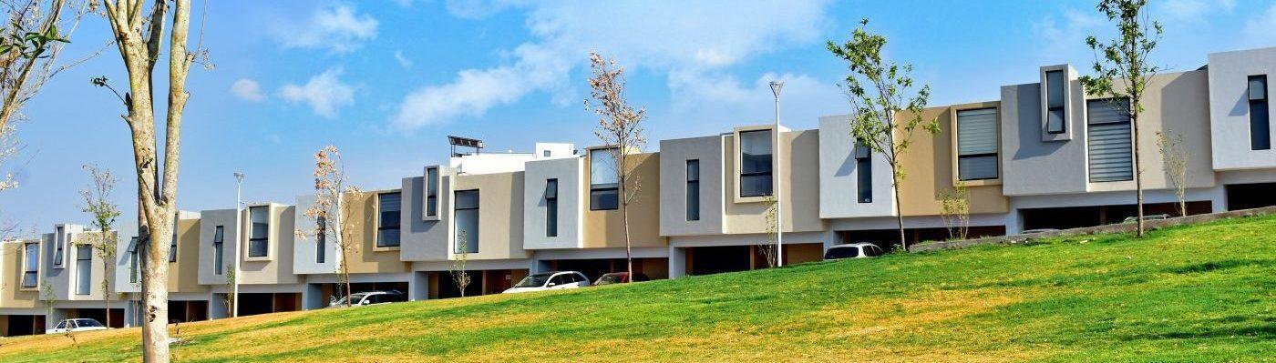 Foto de fachadas de casas en venta en Antalia Residencial en Zibatá, Querétaro.